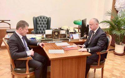 Додон договорился с Козаком: В ближайшие дни в Молдову поступят 180 тысяч доз вакцины Sputnik-V