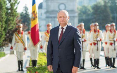 Moldova și poporul moldovenesc are o istorie măreață, glorioasă și eroică. Copiii noștri trebuie să studieze în școli anume această istorie și nu una străină